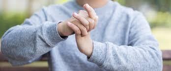 Het risico op het ontwikkelen van artrose kan toenemen met de leeftijd.